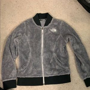 gray north face fluffy zip up
